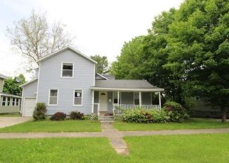 Foreclosed Home in Fulton 13069 W 3RD ST S - Property ID: 4498226549
