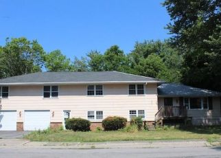 Foreclosed Home in Avon 14414 DOOER AVE - Property ID: 4498229164