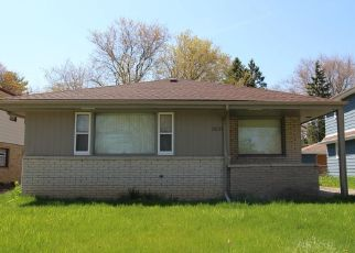Foreclosed Home in Milwaukee 53209 W KILEY AVE - Property ID: 4498239241