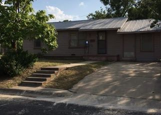 Foreclosed Home in Lampasas 76550 N PORTER ST - Property ID: 4498307123