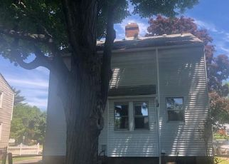 Foreclosed Home in Cleveland 44124 GORDON RD - Property ID: 4498444662