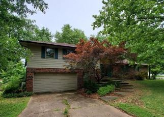 Foreclosed Home in Clinton 64735 S CONNIE DR - Property ID: 4498509479