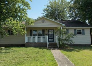 Foreclosed Home in Dexter 63841 WHITMAN ST - Property ID: 4498510355