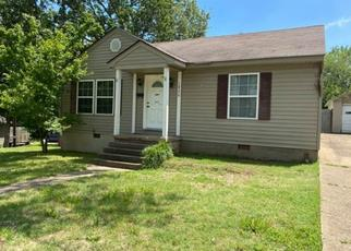 Foreclosed Home in Poplar Bluff 63901 N 10TH ST - Property ID: 4498520425