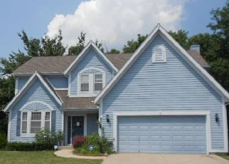 Foreclosed Home in Kansas City 64152 N NODAWAY AVE - Property ID: 4498523942