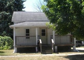 Foreclosed Home in Bay City 48706 E CRUMP ST - Property ID: 4498609785
