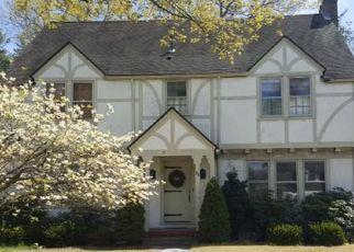 Foreclosed Home in Longmeadow 01106 HARWICH RD - Property ID: 4498625541