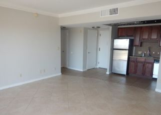 Foreclosed Home in Phoenix 85012 N CENTRAL AVE - Property ID: 4498633419