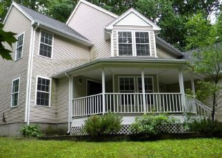 Foreclosed Home in New Hartford 06057 MARY DR - Property ID: 4498684221
