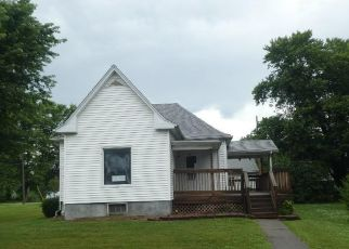 Foreclosed Home in Morrisonville 62546 W 1ST ST - Property ID: 4498753878