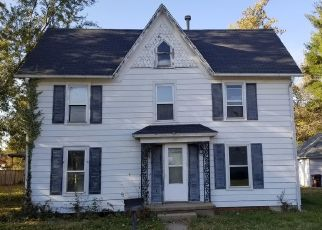 Foreclosed Home in Henry 61537 ROBERT ST - Property ID: 4498761304