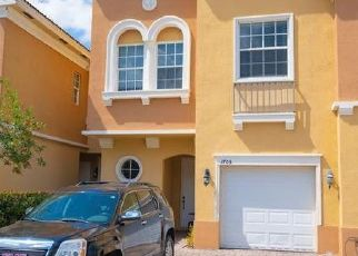 Foreclosed Home in Naples 34119 ROMANA WAY - Property ID: 4498821761