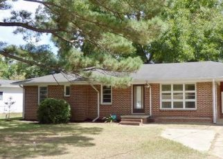 Foreclosed Home in Tuscaloosa 35405 2ND AVE - Property ID: 4498931239