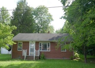 Foreclosed Home in Wakefield 23888 VIRGINIA AVE - Property ID: 4499029799