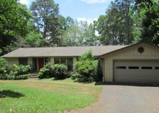 Foreclosed Home in Knoxville 37920 RIVERWOOD DR - Property ID: 4499043366