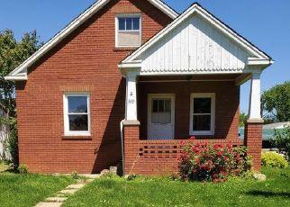 Foreclosed Home in Vandalia 63382 E WASHINGTON ST - Property ID: 4499085409