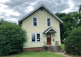 Foreclosed Home in Newton 50208 N 8TH AVE E - Property ID: 4499116505