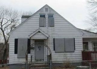 Foreclosed Home in Waterbury 06706 FARRINGTON AVE - Property ID: 4499256215