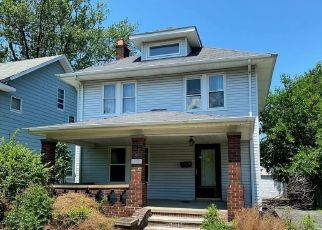 Foreclosed Home in Cleveland 44121 DELMORE RD - Property ID: 4499464255