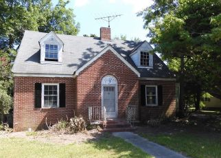 Foreclosed Home in Walstonburg 27888 E RAILROAD ST - Property ID: 4499473904