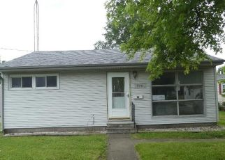 Foreclosed Home in Taylorville 62568 HAWLEY ST - Property ID: 4499574636
