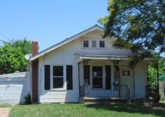 Foreclosed Home in Ponca City 74601 W OTOE AVE - Property ID: 4499694637