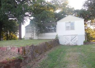 Foreclosed Home in Crescent 73028 N HIGHWAY 74 SERVICE RD - Property ID: 4499698131
