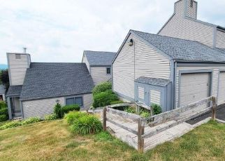 Foreclosed Home in Wallingford 06492 PILGRIM HBR - Property ID: 4499705134