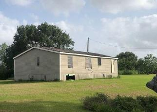 Foreclosed Home in El Campo 77437 COUNTY ROAD 444 - Property ID: 4499795361