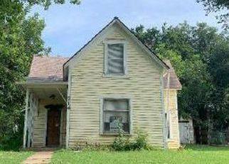 Foreclosed Home in Yukon 73099 ELM AVE - Property ID: 4499997717