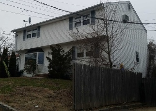 Foreclosed Home in Melville 11747 VERMONT ST - Property ID: 4500010863