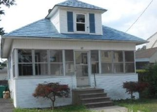 Foreclosed Home in Warwick 02888 BEECHCREST ST - Property ID: 4500045450