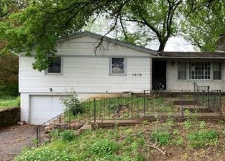 Foreclosed Home in Kansas City 66102 N 51ST TER - Property ID: 4500223716
