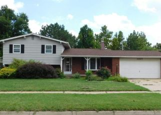 Foreclosed Home in Hutchinson 67502 E 23RD AVE - Property ID: 4500228978