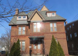 Foreclosed Home in New Haven 06511 HUMPHREY ST - Property ID: 4500362998