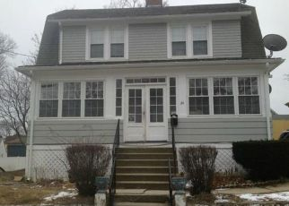 Foreclosed Home in New London 06320 AVERY CT - Property ID: 4500364739