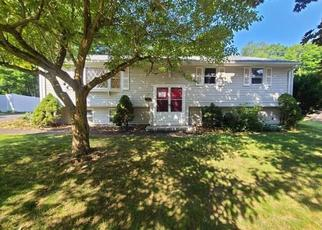 Foreclosed Home in Enfield 06082 SAINT JAMES AVE - Property ID: 4500384894