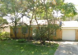 Foreclosed Home in Palatine 60074 S FOREST AVE - Property ID: 4500409406