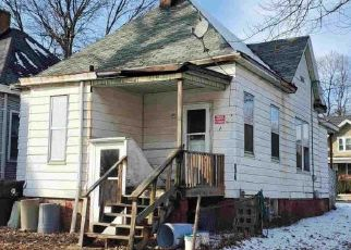 Foreclosed Home in Peoria 61603 NE JEFFERSON AVE - Property ID: 4500415993