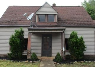 Foreclosed Home in Woodlawn 24381 WOODLAWN RD - Property ID: 4500450580