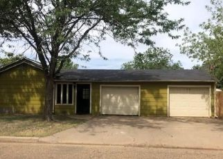 Foreclosed Home in Plainview 79072 W 11TH ST - Property ID: 4500455844