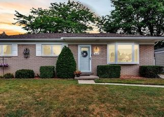 Foreclosed Home in Sterling Heights 48313 HILLSDALE DR - Property ID: 4500532477