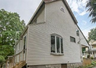 Foreclosed Home in Waterbury 06704 BOYDEN ST - Property ID: 4500643281