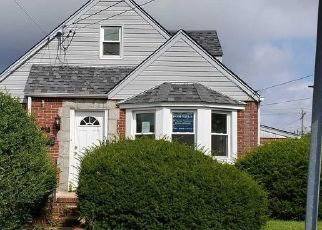 Foreclosed Home in Franklin Square 11010 FENDALE ST - Property ID: 4500659491