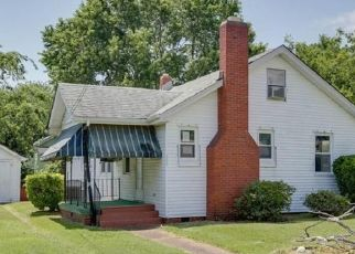 Foreclosed Home in Hampton 23661 SCHLEY AVE - Property ID: 4500711164