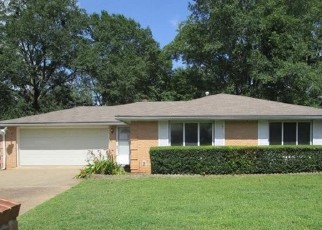 Foreclosed Home in Tyler 75702 N ENGLEWOOD AVE - Property ID: 4500729570