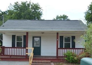 Foreclosed Home in Knoxville 37919 CATE AVE - Property ID: 4500733513