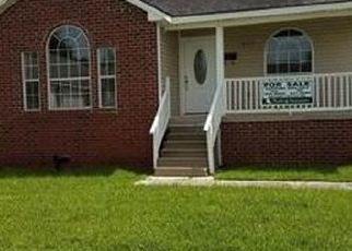 Foreclosed Home in New Orleans 70126 DEANNE ST - Property ID: 4500763284