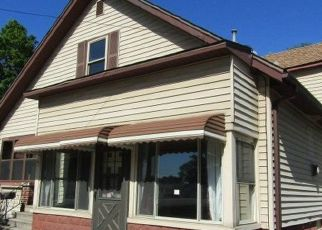Foreclosed Home in Essexville 48732 PINE ST - Property ID: 4500798775