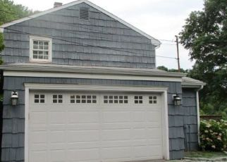 Foreclosed Home in Stamford 06903 THORNWOOD RD - Property ID: 4500906506